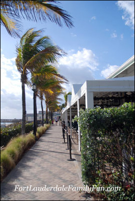 The brick promenade at Deerfield Beach